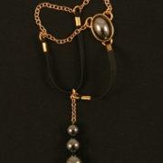 bh124 4 bijou verge or pierre sacree.jpg