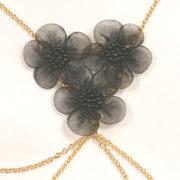 cos26 1 bustier chaines fleurs noires.jpg