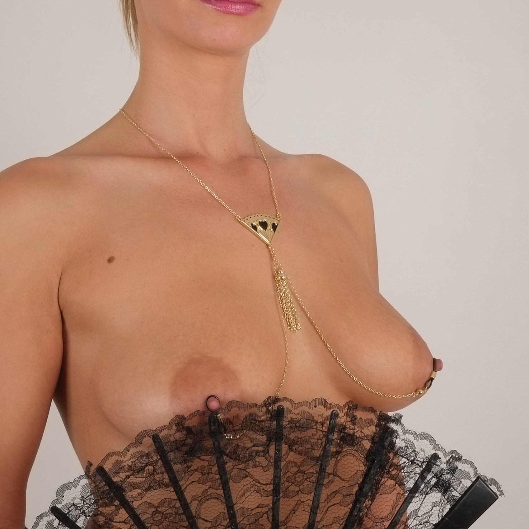 cos64 0 collier seins eventail or.jpg