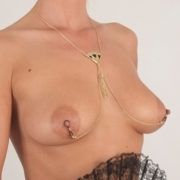 cos64 4 collier seins eventail or.jpg