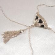 Brustschmuck-designer-fächer-silver-ketten