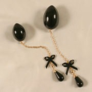 oe1 5 bijou oeuf penetrant or perle.jpg