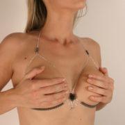 sg42 1 soutien gorge argent perles hematites.jpg
