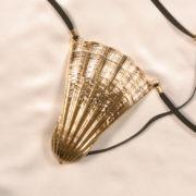 string bijou coquillage penetrant