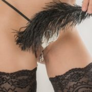 string-sexy-ouvert-cygne-perles