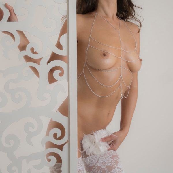 body-jewelry-breast-topless-silver-chains