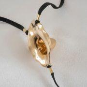 sextoy-jewel-flower-insertable-gold