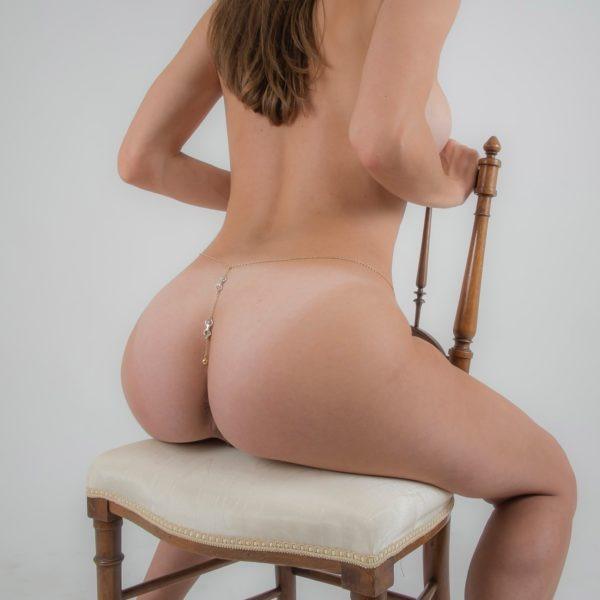 Impatient Desire backside waist chain gold