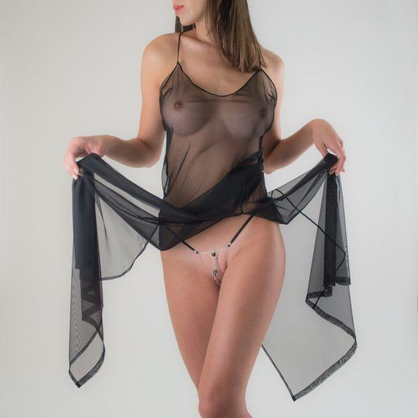 string-bijou-sexe-nu-scarabee-egyptien